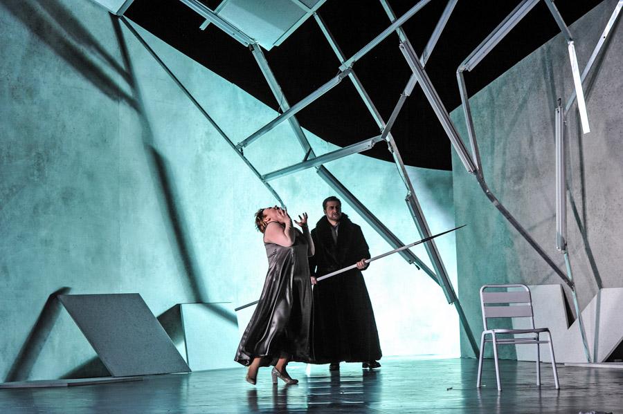Parsifal/ Bühnenweihfestspiel von Richard Wagner/ ML Roland Kluttig/ R Jakob Peters-Messer/ K Sven Bindseil/ B + L Guido Petzold/ Premiere9. April 2017/ Landestheater Coburg